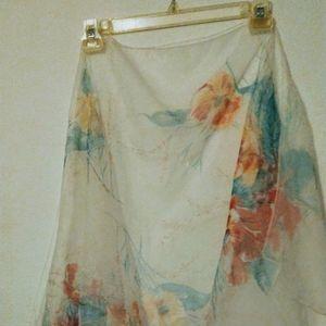Traslucent scarf